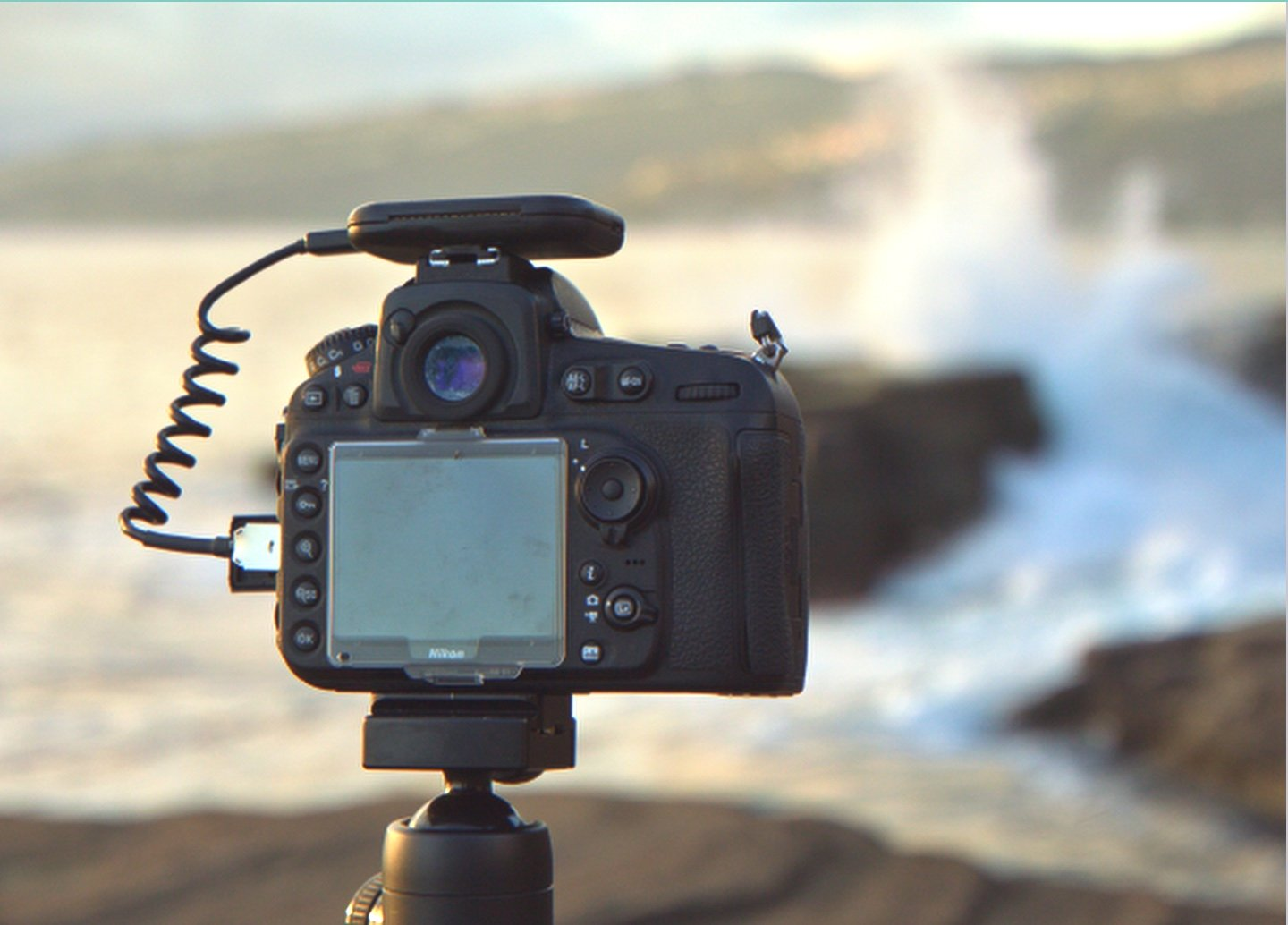 Meet Arsenal, the intelligent assistant for your DSLR or mirrorless camera.